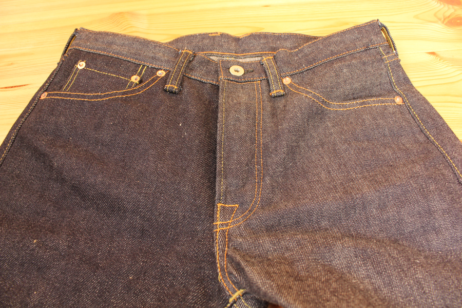 スーパーヘビーオンスのジーンズの色落ちの特徴とは?