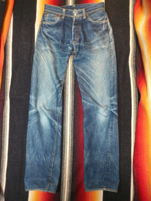 2000-No.1-01B